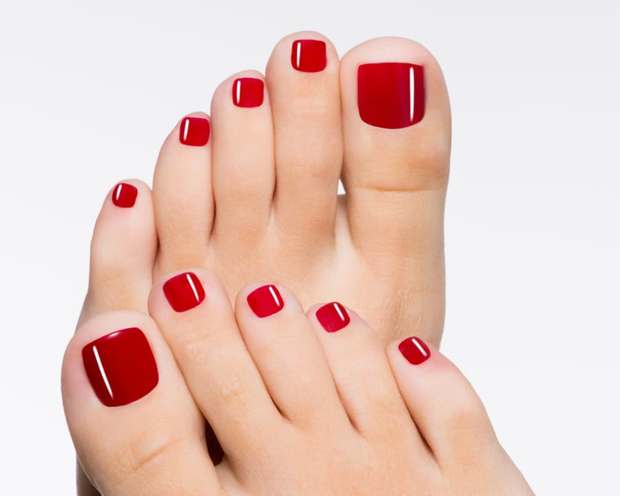ongles pieds rouge